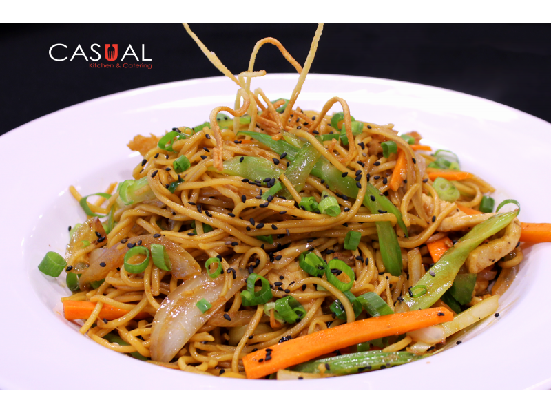 Chow Mein with Vegetables and Chicken