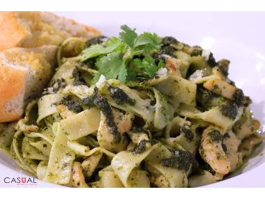 Pesto fettuccini with chicken