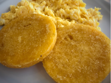 Tortilla de maíz (corn patty)