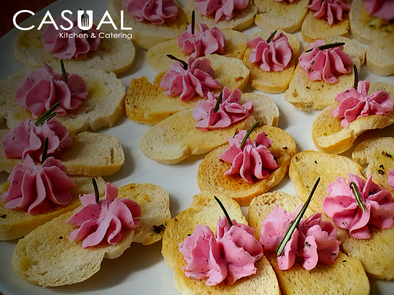 Crostini with beet and cream cheese mousse