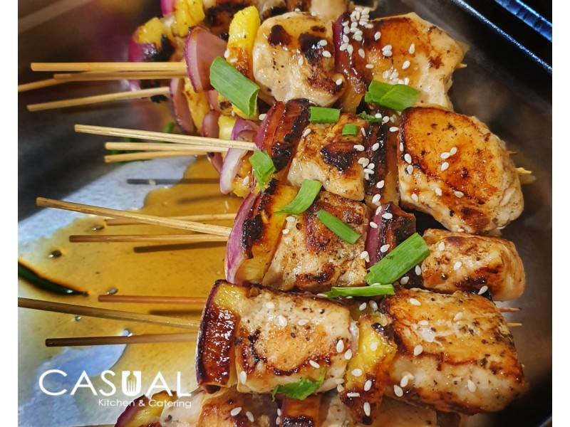 Chicken skewers with pineapple and onions